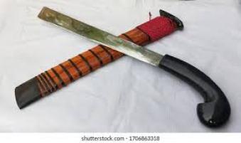7 Senjata Tradisional Indonesia Paling Mematikan