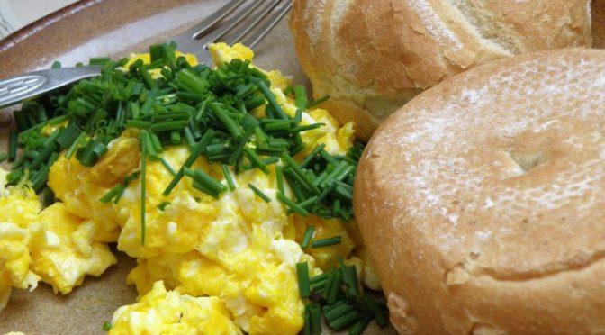 Letnice  – smažení vajec