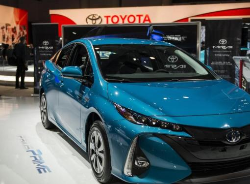 Nova ideja iz Toyote: Solarni Prius stalno se puni strujom