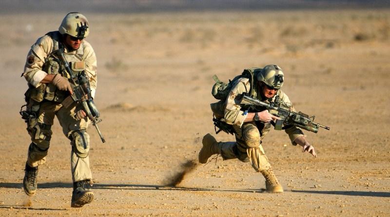 Для американских солдат придумали ботинки-маяки со стелькой-аккумулятором