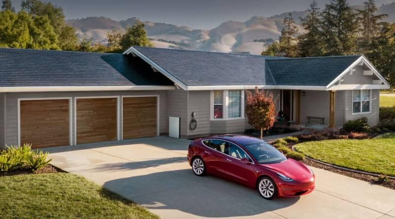 Tesla решила проблему медленного монтажа солнечной крыши
