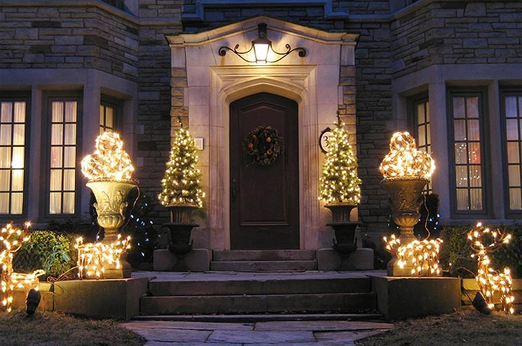 Understanding your options for lighting your garden the garden lighting blog - Basic advantages of using led facade lighting for your home ...