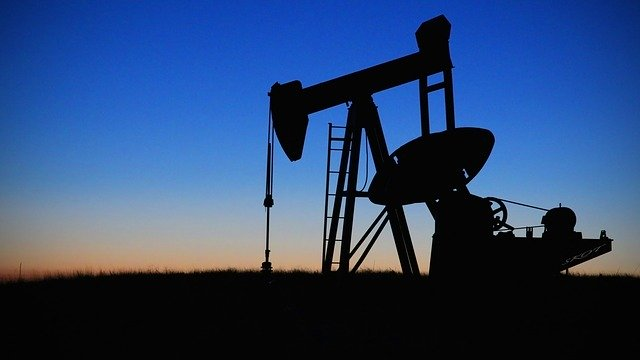 Crude-oil-extraction