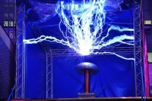 kabellos-energieuebertragung-nikola-tesla