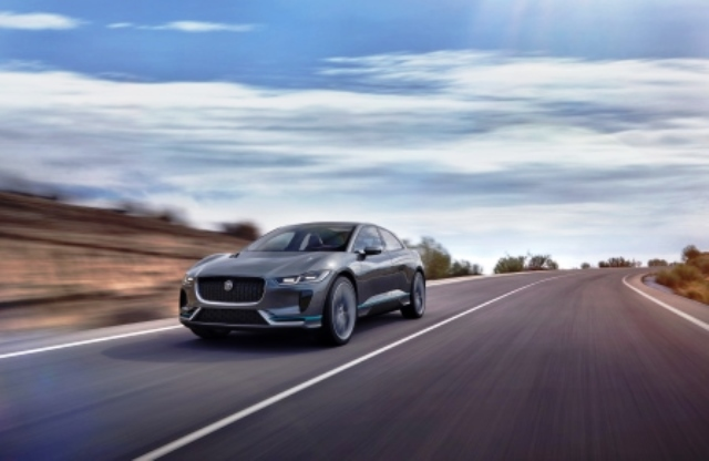 jaguar-elektroauto-aufladung