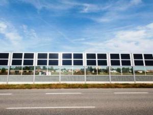 photovoltaik-laermschutzwaende