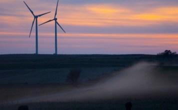 tesla-bp-batterien-windpark