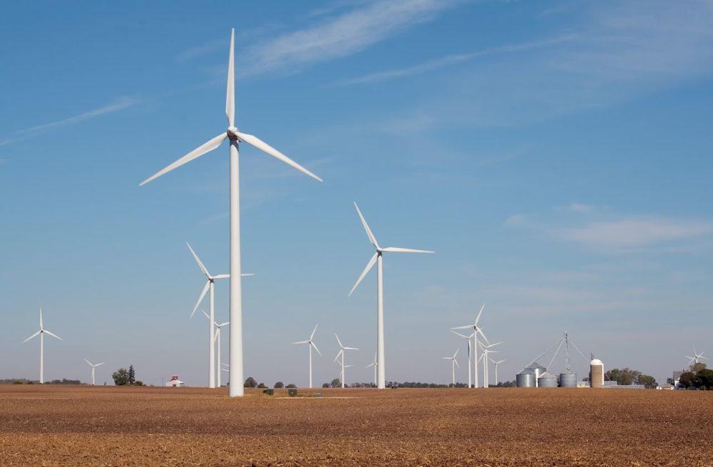 wind turbines in rural illinois