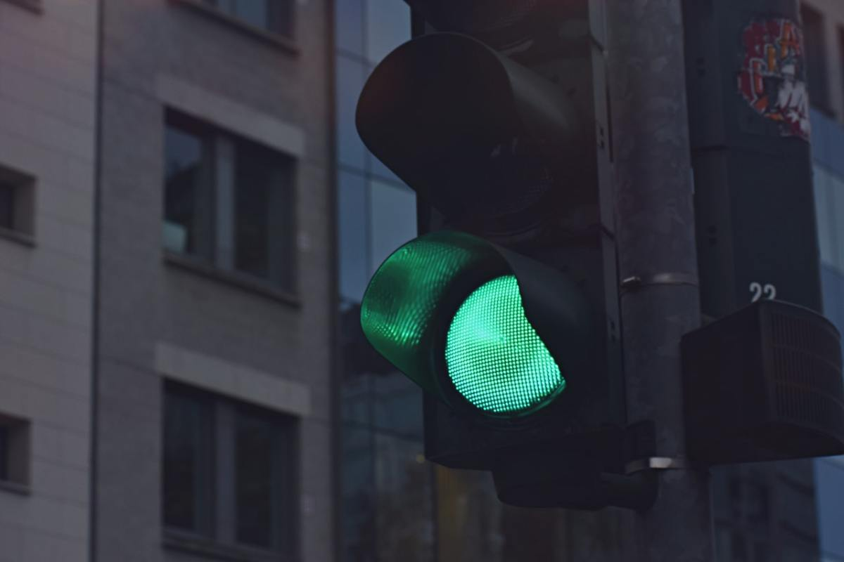 A green traffic signal.