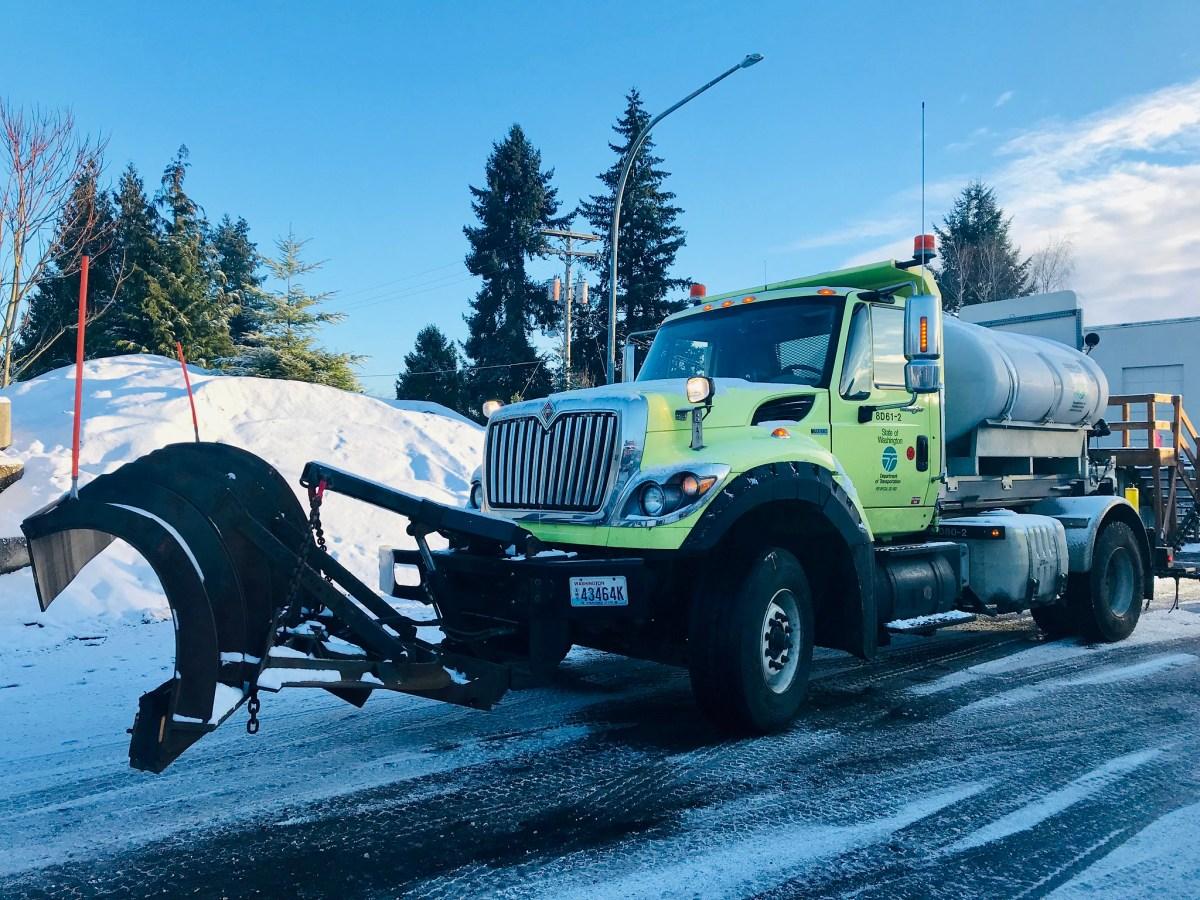 De-icer truck
