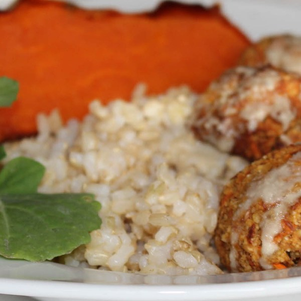 Carrot Almond Meat Balls with Cashew Gravy