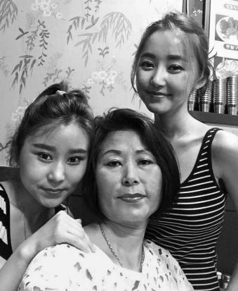 From left to right: Eunmi (sister), mother, and auther Yeonmi Park. Seoul 2015