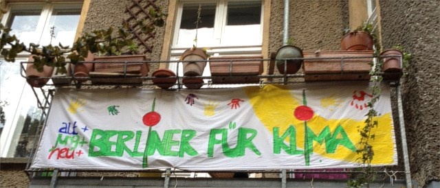 Berliners showing their support for a municipal utility
