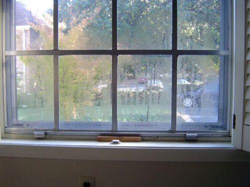 window single pane metal frame condensation