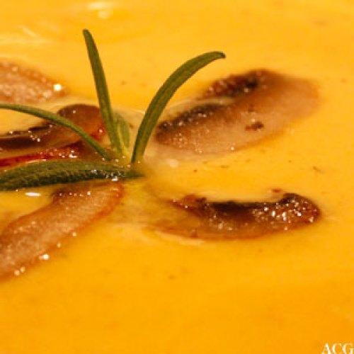 gresskarsuppe med rosmarin