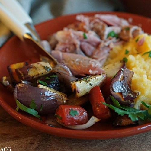 ovsnbakte rotgrønnsaker til kokt svineknoke