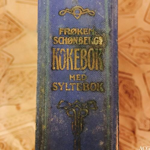 Ryggen til Frøken Schønbergs kokebok