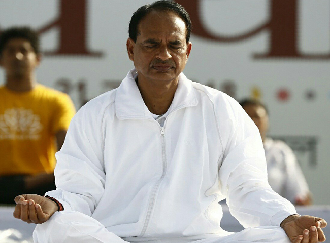 shivraj singh chouhan madhya pradesh election bribe caste scams