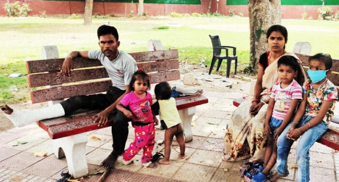 migrants and Congress starvation lockdown delhi Priyanka Gandhi