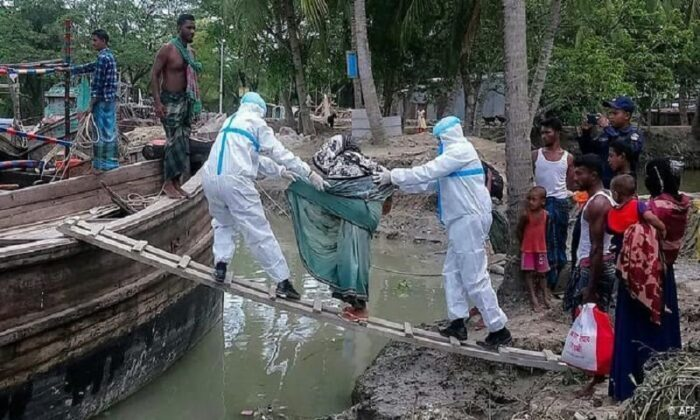 cyclone amphan victims relief work donate West bengal