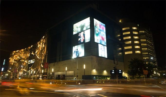 Quest Mall medical emergency health kolkata samsonite india