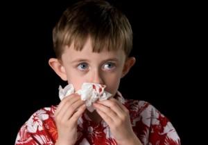 Niño sangrando por la nariz