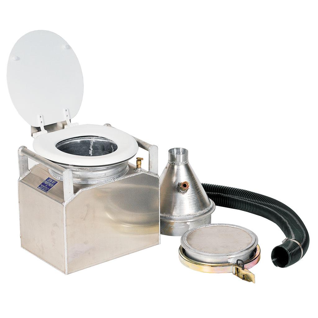 La Rolling Royce des toilettes portables par la compagnie Jon-ny Partner à gauche (900 $) et son modèle plus standard mais tout aussi confortable (200 $).