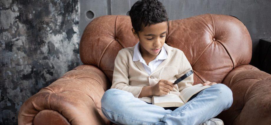 N'est-ce pas beau de voir un enfant se plonger dans les livres pour trouver des réponses à ses questions et satisfaire ainsi sa soif de curiosité ?