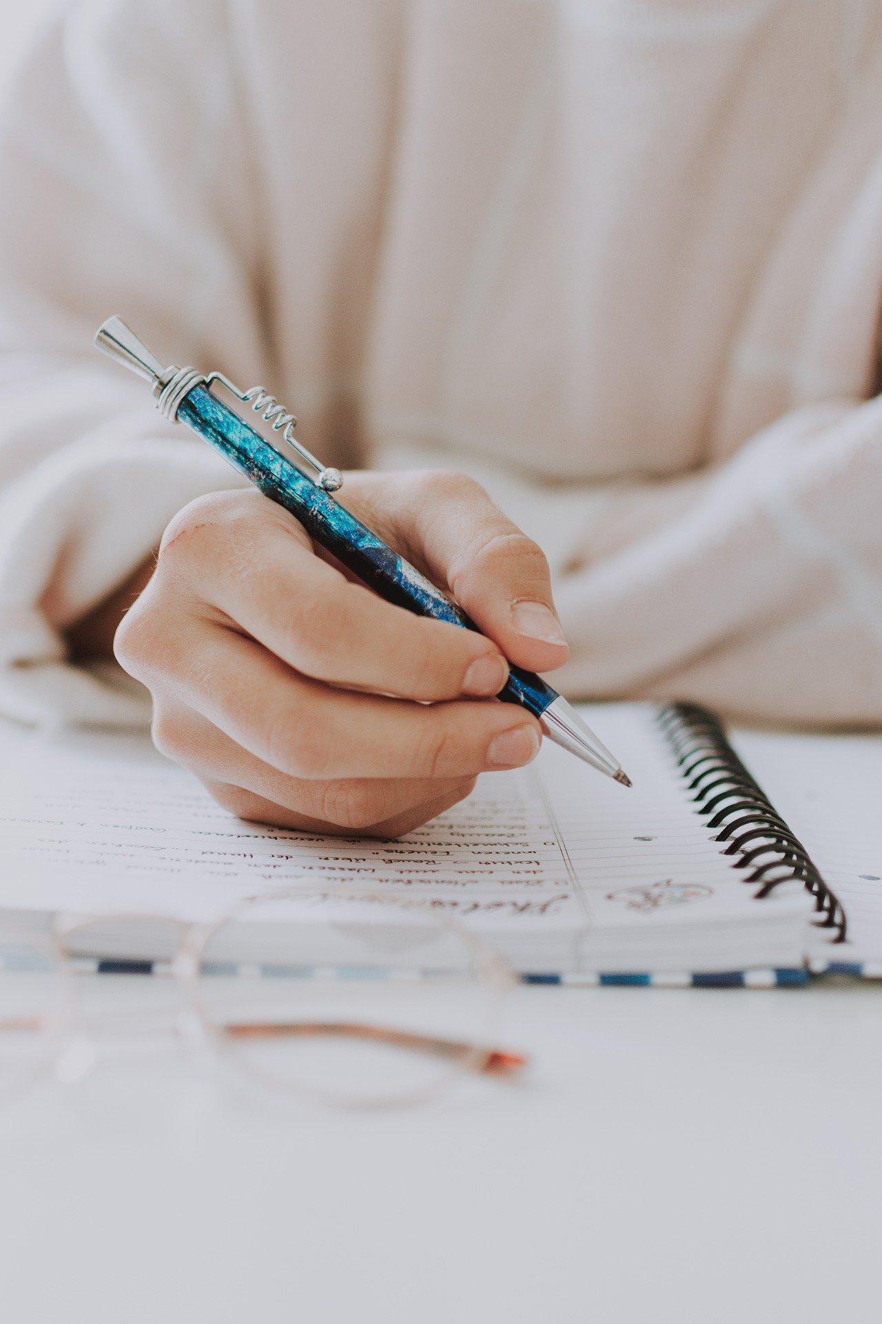 Ecrivez ce que les odeurs vous rappellent ou ce qu'elles signifient pour vous.
