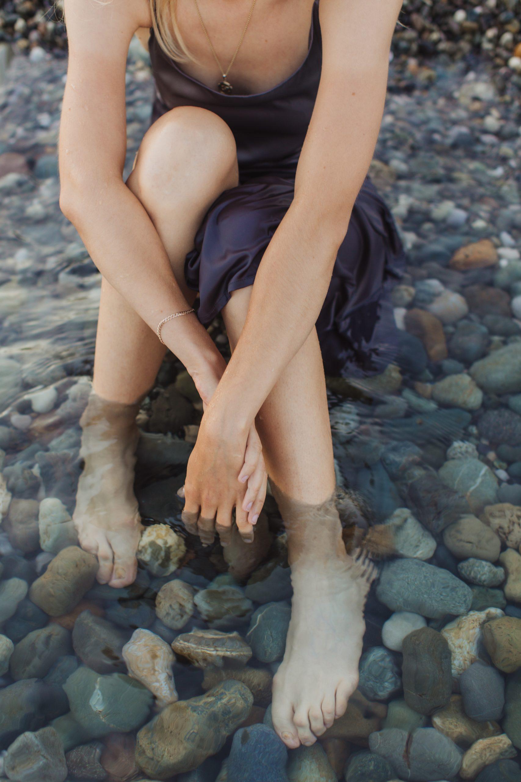 Profitez d'un bon bain en pleine nature sauvage permet de se connecter à la nature.