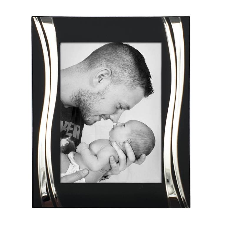 Silver Plated Wavy Border Photo Frame