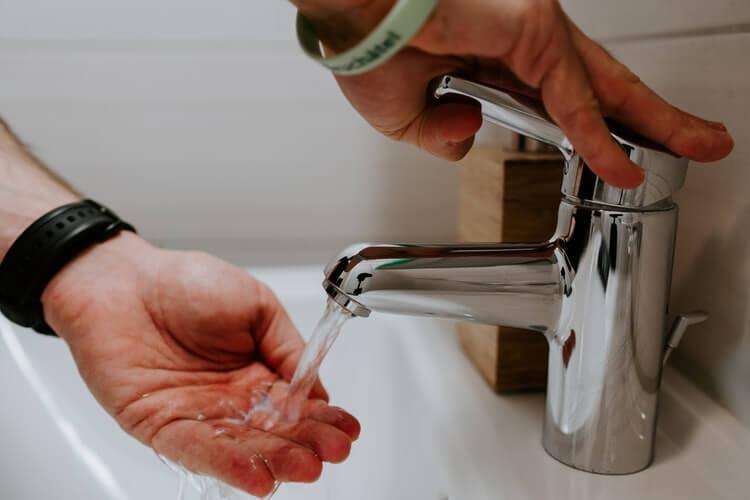 lavagem-das-maos-primeiro-passo