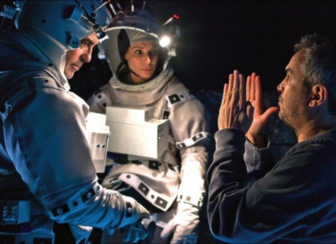 Phoenix And Girl Wallpaper Detr 225 S De C 225 Maras Gravity De Alfonso Cuar 243 N Enfilme Com