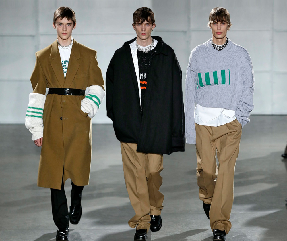 NYFW 17 taught us: bright colors are the new black - Raf Simons Fall/Winter 2017 menswear collection in NY