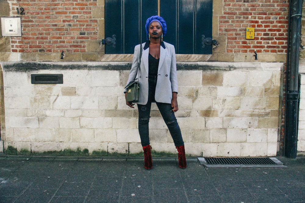 LOOK XXXVI: Blue foulard by Jonelle