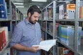 Bashar encontra nos livros um novo caminho para a vida