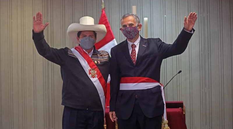 Presidente Castillo tomó juramento a ministros de Economía y de Justicia