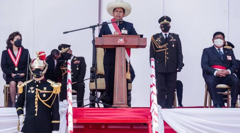 PRESIDENTE CASTILLO DESTACA TRABAJO DE LAS FUERZAS ARMADAS EN DEFENSA DEL ORDEN DEMOCRÁTICO Y LUCHA CONTRA EL TERRORISMO