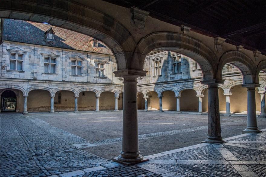 palais-granvelle-besancon-2