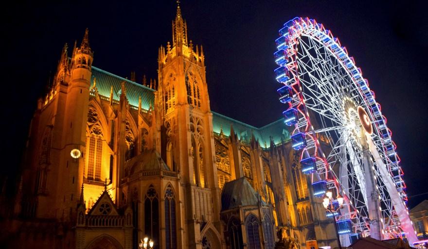Metz Christmas Place d'Armes and Cathedral 01 © French Moments