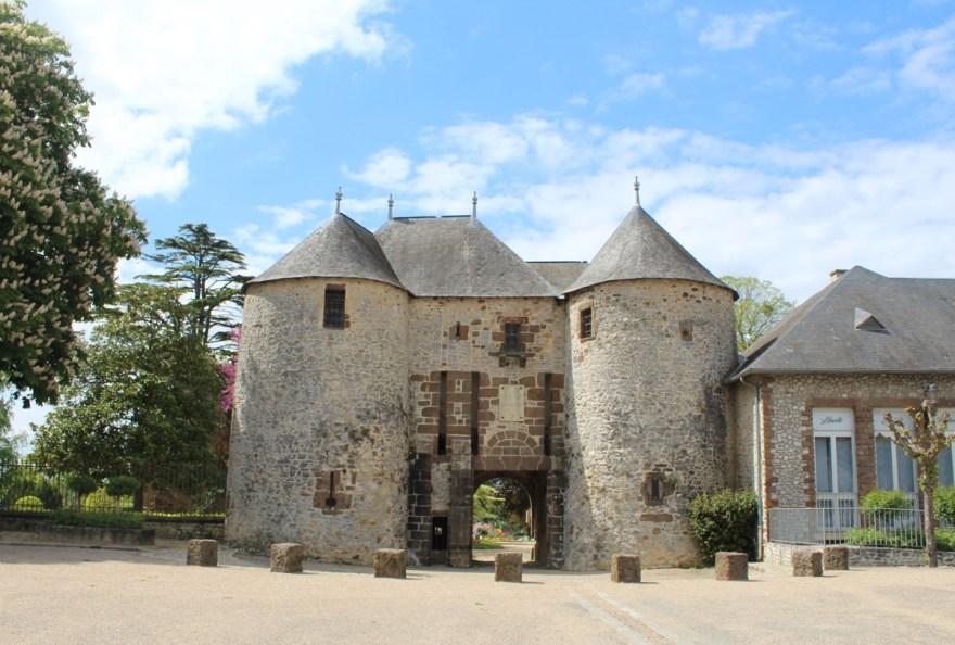 Chateau de Fresnay-sur-Sarthe