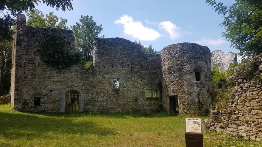 Cité fantôme de Quirieu et ses ruines, Isère, Rhône Alpes