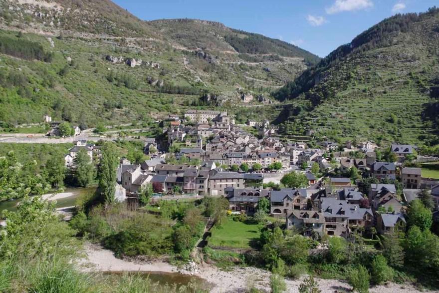 le village de Sainte Enimie dans les Gorges du Tarn