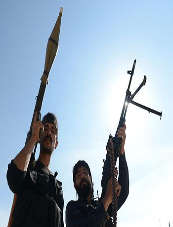 Syria clashes intensify near Turkey border