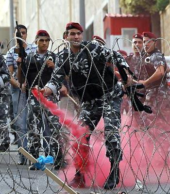 Gunbattles flare in Lebanon as political crisis deepens