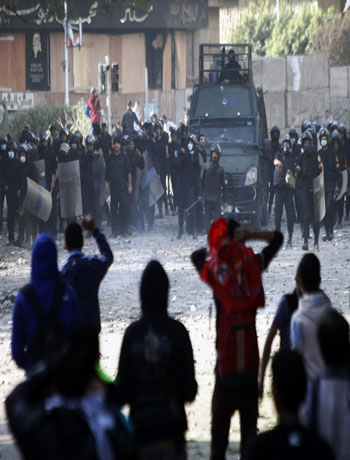 Egypt protests continue in deadlock over Mursi powers