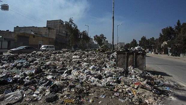 Disease Spreads as Aleppo Becomes a Landfill