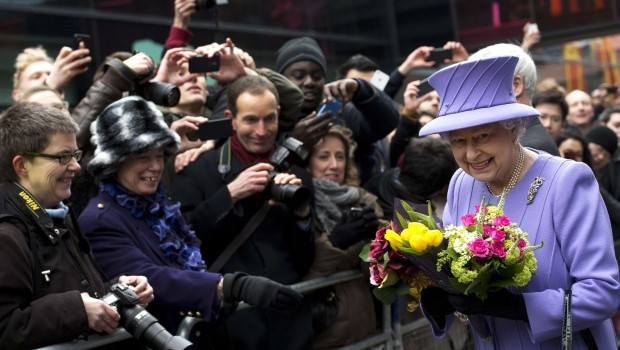 British Queen in Hospital with Gastroenteritis: Palace