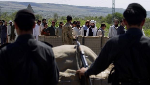 Fighting Rages in Northwest Pakistan Leaving 15 Militants, 1 Soldier Killed
