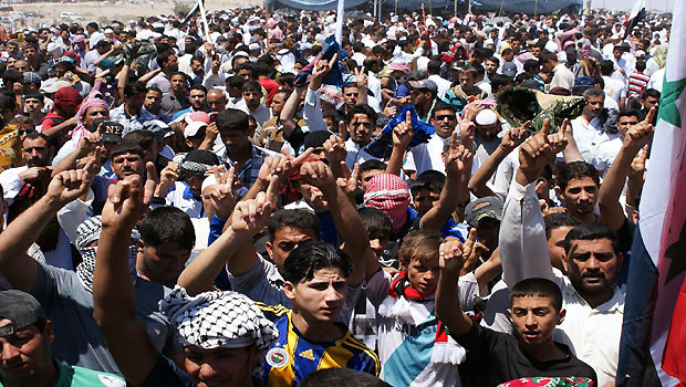 Iraq: Anbar protestors to set deadline in talks with government